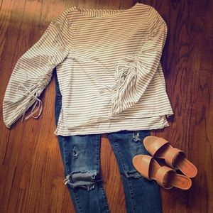 Gap blouse with cool sleeve detail